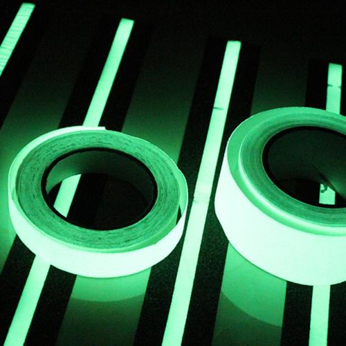 Неоновая светящаяся клейкая лента 5 м * 5 см